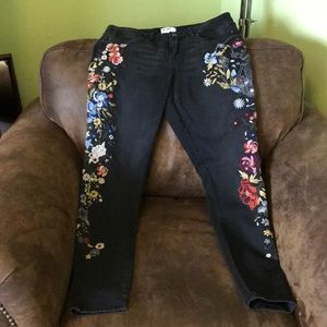NWOT William Rast embroidered jeans